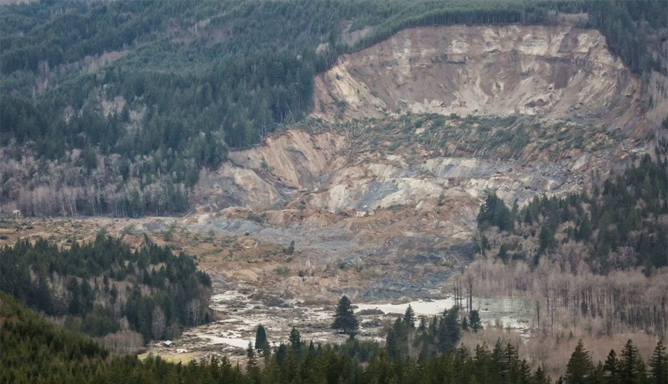 A mudslide along Highway 530 sent a huge chunk of the hill into the Stillaguamish River.